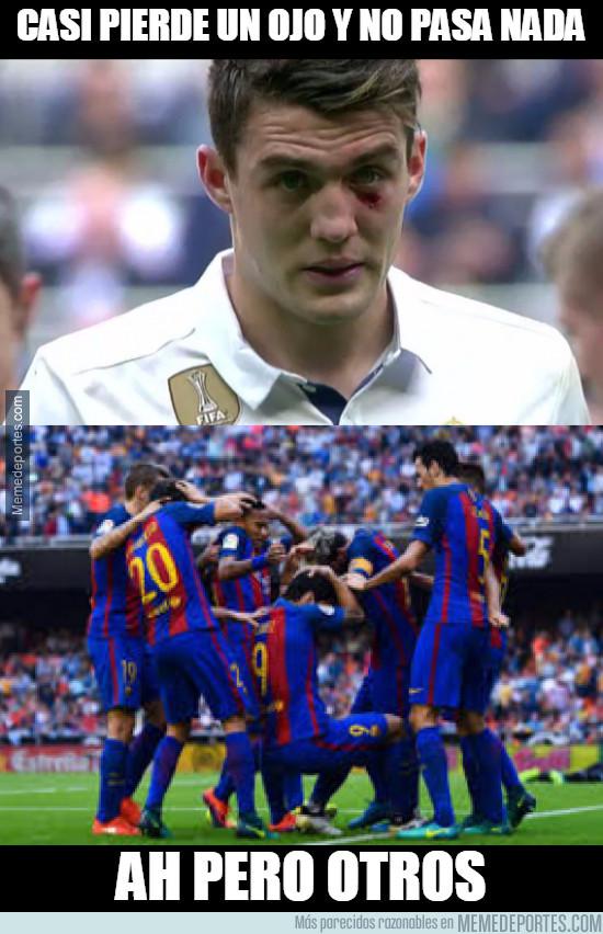 949437 - La diferencia cuando agreden a un jugador de Barça y Madrid