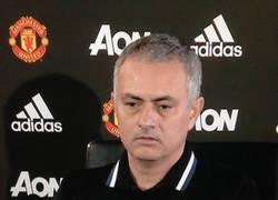 Enlace a El gran gesto de Mourinho con Claudio Ranieri tras ser despedido del Leicester