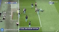 Enlace a GIF: El ojo de halcón decide un gol clave en el título en Holanda entre Feyenoord y PSV