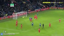Enlace a GIF: El Leicester se está comiendo al Liverpool, Vardy ponía el 3-0