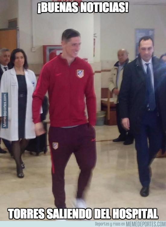 952572 - Torres saliendo del hospital por su propio pie