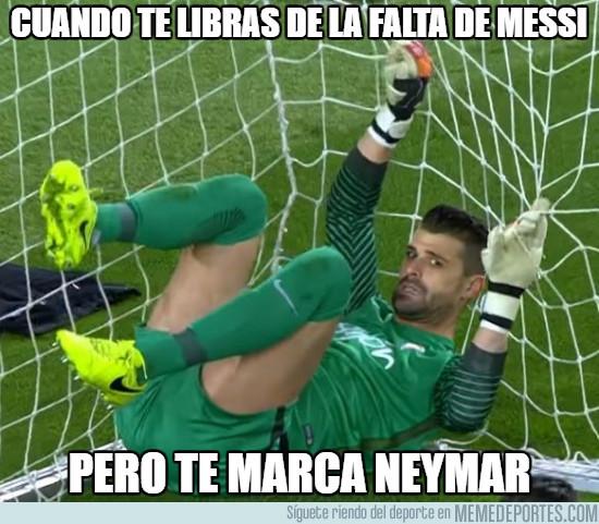 953137 - Cuando te libras de la falta de Messi pero viene Neymar detrás
