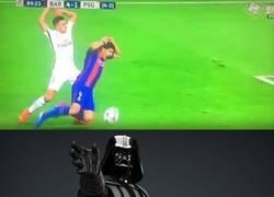 Enlace a Darth Vader atacando a Suárez en el Camp Nou