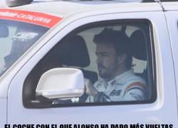Enlace a Alonso ha pasado más tiempo en coche de asistencia que en su McLaren