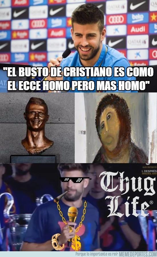 963380 - Polémicas declaraciones de Piqué sobre el busto de CR7 en Madeira [HUMOR]