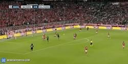Enlace a GIF: Goooooooooool de Cristiano Ronaldo que pon el empate en el marcador