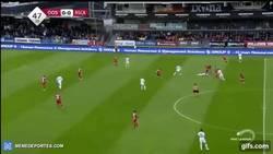 Enlace a GIF: El increíble y sorprendente golazo de Hanni con el Anderlecht