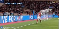 Enlace a GIF: ¡El Tigre marca el 2-0 para el Mónaco y hace casi imposible la remontada del BVB!