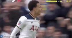 Enlace a GIF: Gran gol de Dele Alli que recibe una asistencia espectacular