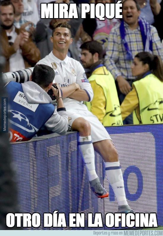 972806 - Cristiano se la sacó del estadio