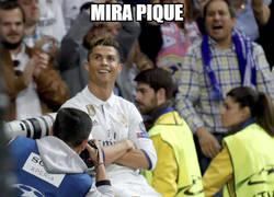 Enlace a Cristiano se la sacó del estadio