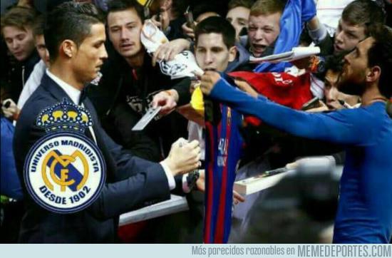 972863 - Cristiano tras el partido en el Bernabéu