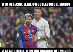 Enlace a A la derecha el mejor goleador del mundo, a la izquierda...