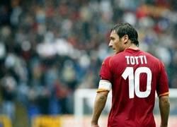 Enlace a Adiós de Totti al final de temporada :'(