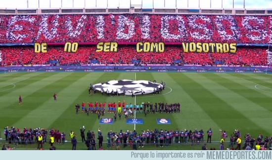 974334 - El increíble tifo del Atleti contra el Real Madrid