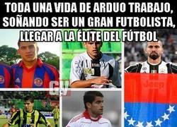 Enlace a La celebración/protesta de Tomas Rincón por su pase a la final de la Champions
