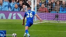 Enlace a GIF: Así fue el penalti anulado a Mahrez, más fácil de ver que el de Griezmann