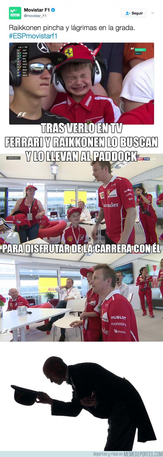 975155 - El precioso gesto de Ferrari y Raikkonen con este niño tras llorar en la grada