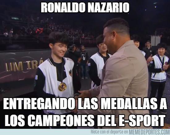 977042 - Ronaldo Nazario en los e-Sports