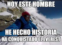 Enlace a Kilian Jornet corona la cima del Everest