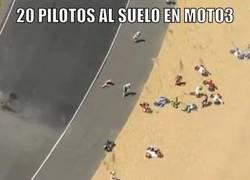 Enlace a La caída en Moto3