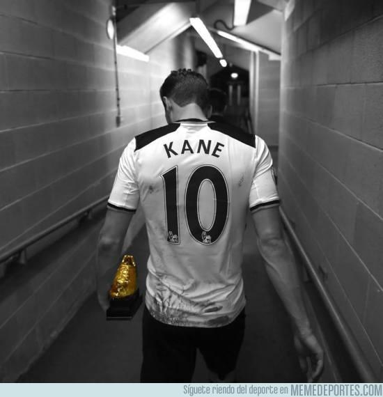 977314 - Harry Kane ha ganado las 2 últimas botas de oro de la Premier. 99 goles oficiales y 23 años.