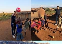 Enlace a Hummels visita una aldea Africana en Malawi solo 2 días después de salir campeón en Alemania