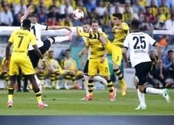 Enlace a Kung Fu en la final de la Copa Alemana
