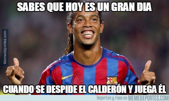 978477 - Ronaldinho en un partido para el recuerdo