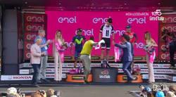Enlace a Lo que no se vio en el podio del Giro