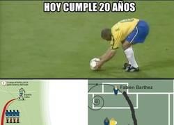 Enlace a El golazo de Roberto Carlos cumple 20 años