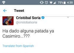 Enlace a Cristóbal Soria se come otro zasca mientras se esconde en su cueva