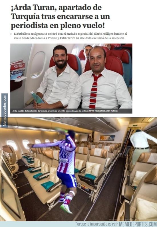 980636 - Imágenes exclusivas de la pelea de Turan en el avión
