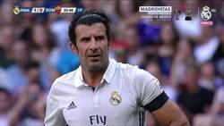 Enlace a El golazo estratosférico de Figo frente a las leyendas de la Roma en el Bernabéu