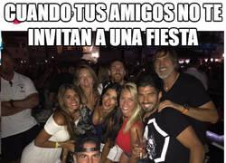 Enlace a Neymar comentando las fotos de fiestas de sus compañeros