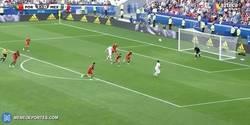 Enlace a GIF: Goooooool del Chicharito que empata el partido