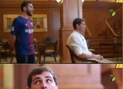 Enlace a Casillas se topa con 'Messi' en mitad de una entrevista