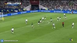 Enlace a GIF: Gran jugada de Alemania que remata Werner para sentenciar el partido