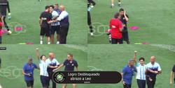 Enlace a Intruso se cuela en el entrenamiento para abrazar a Messi y lo celebra como un gol