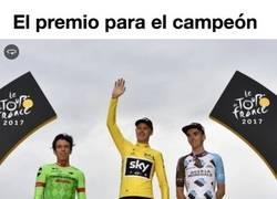 Enlace a ¿Cuánto dinero gana el campeón del Tour y cuánto dinero se reparte en premios?