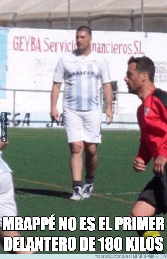 989393 - Mbappé no es el primer delantero de 180 kilos, por @zalexw