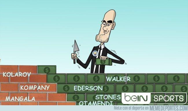 989541 - Pep Guardiola construye un muro más seguro que el de Donald Trump