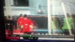 Enlace a Neymar peleándose con Semedo... Aquí tenéis el vídeo dónde se ve que Neymar le busca para pelear