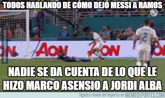 990341 - Todos hablando de cómo dejó Messi a Ramos pero...