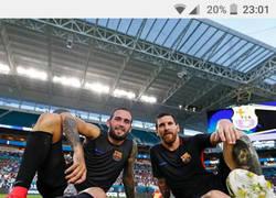 Enlace a El comentario troll de Piqué a esta publicación de Messi y Aleix Vidal