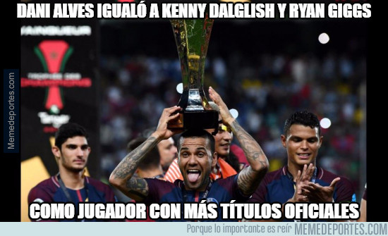 990406 - Dani Alves igualó a Kenny Dalglish y Ryan Giggs