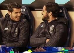 Enlace a Al menos en España tenia con quien reírse en castellano