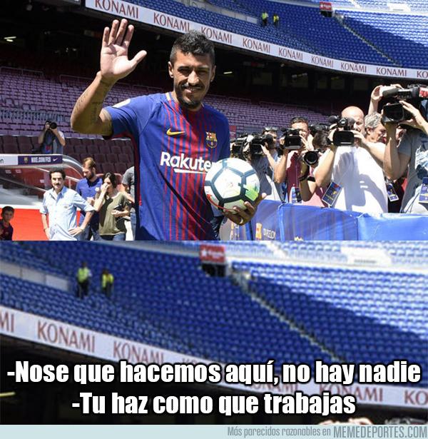 994037 - La conversación de los operarios del Barça