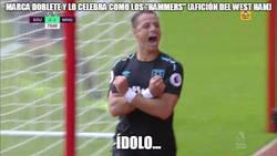 Enlace a Chicharito se gana a la afición del West Ham