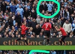 Enlace a La curiosa foto de los aficionados del City que hizo enfadar Rooney… ¡cuatro años después!